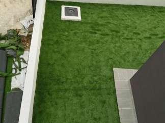 Umjetna trava je montirana, nakon 24h kad se vlasi slegnu kreće ljepljenje spojeva
